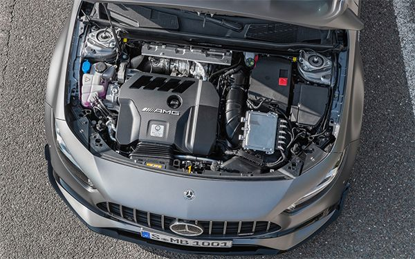 Mercedes-Benz-CLA-45-AMG-Engine