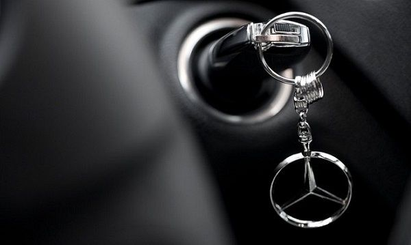 Mercedes-Benz-key-in-ignition