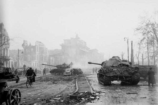 /world-war-II-tank