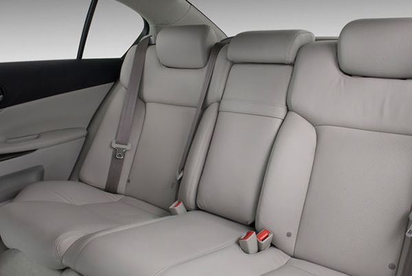 Lexus-GS-2005-20012-REAR-SEATS