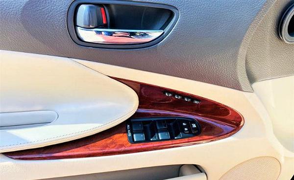 Lexus-GS-2005-2012-interior