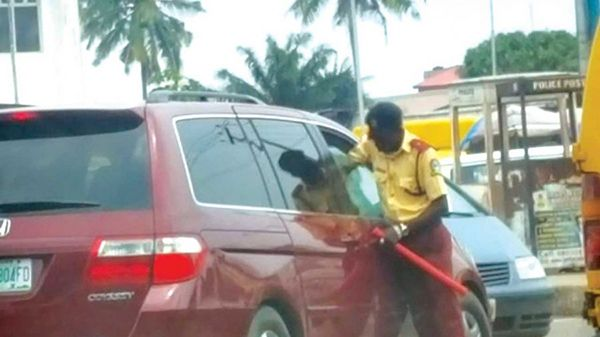 Lastma-officials-on-Lagos-road