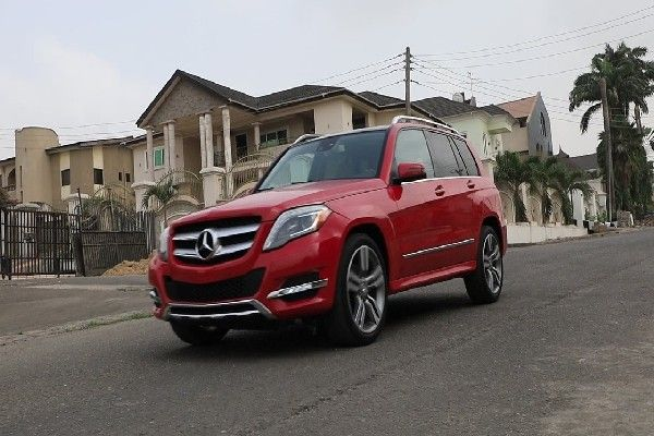 Mercedes-Benz-GLK-350-sideview
