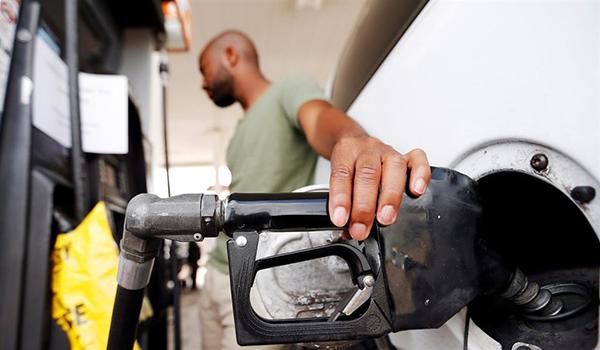 fueling-a-car
