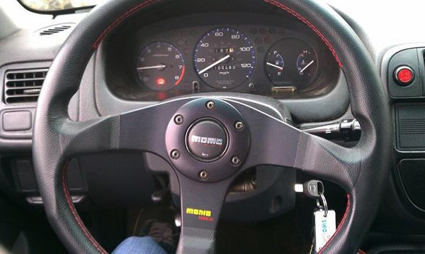 honda-with-momo-steering