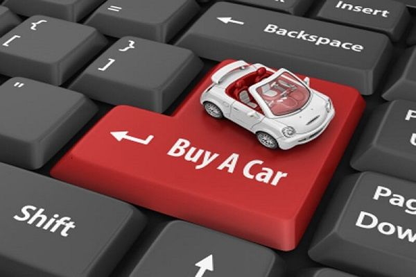 keyboard-with-toy-car