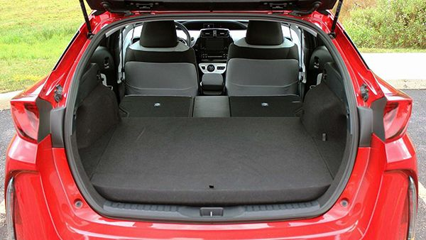 The-trunk-space-in-hatchbacks