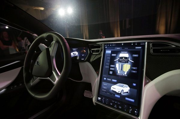car-dashboard-and-infotainment-system