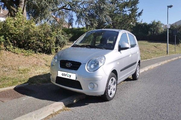 lady-car-kia-picanto-2010-front