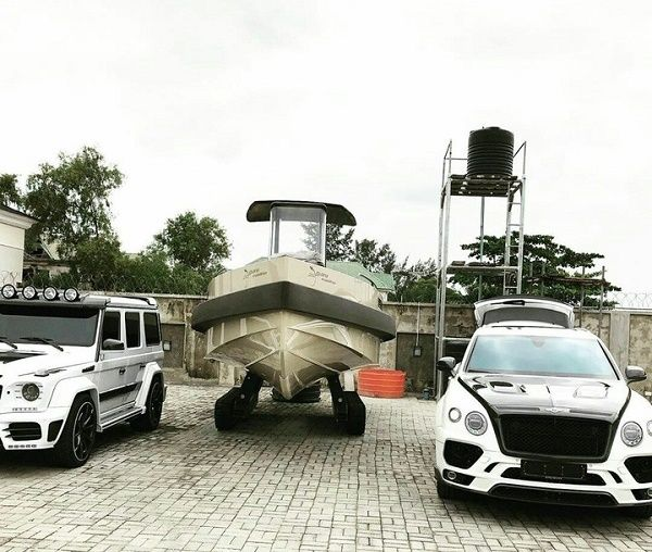obafemi-martins-yacht-and-cars