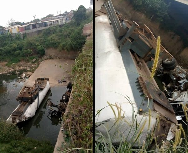 image-of-fuel-tanker-falls-off-soka-bridge-in-ibadan