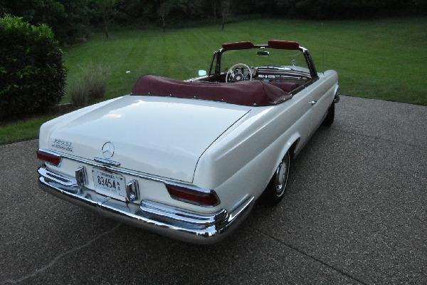 1965-mercedes-benz-220se