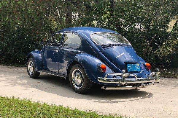 1967-volkswagen-beetle-rear
