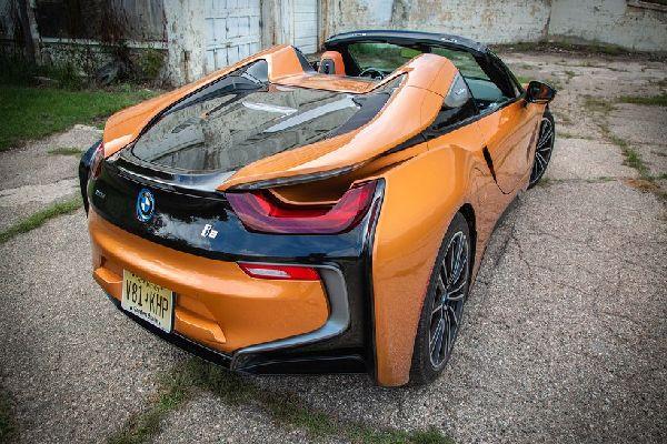 angular-rear-2019-bmw-i8-roadster