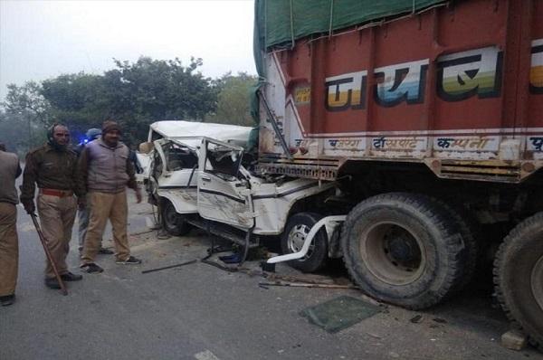 image-of-14-including-6-children-die-in-road-accident-in-pratapgarh