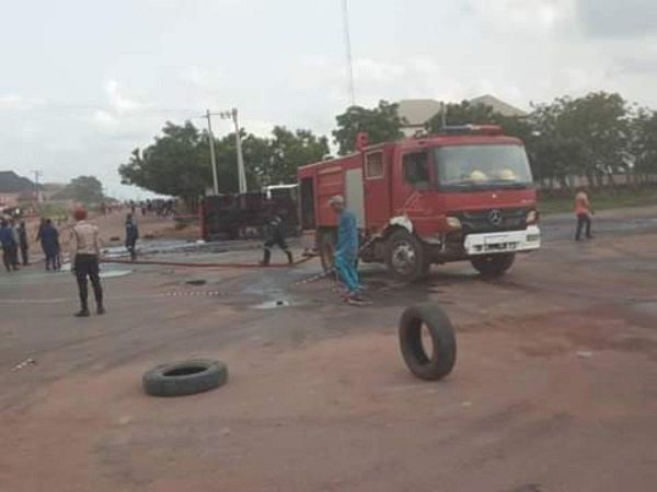 image-of-many-feared-dead-in-anambra-crash-involving-a-bus-and-petrol-tanker-in-anambra