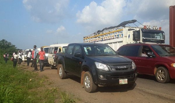 image-of-commuter-and-motorist-stranded-during-tanker-explosion-in-lagos-ibadan-expressway
