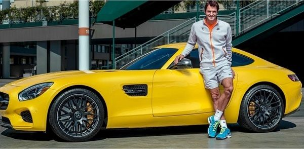 Roger-top-the-list-of-the-richest-sportsman-in-the-world