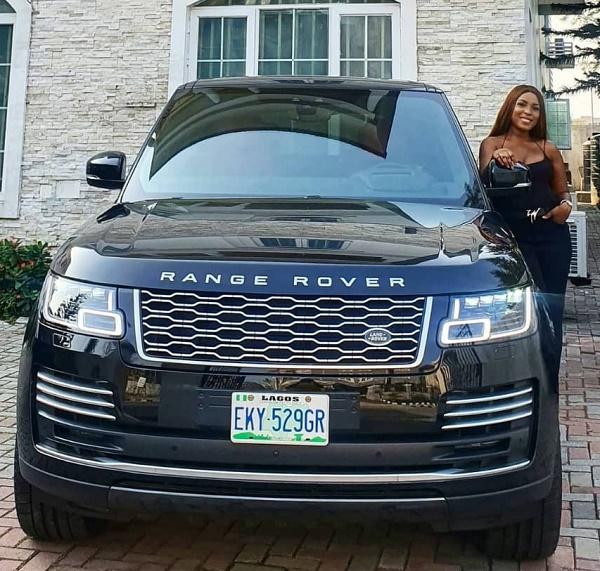 linda-ikeji-2020-Range-Rover-Autobiography