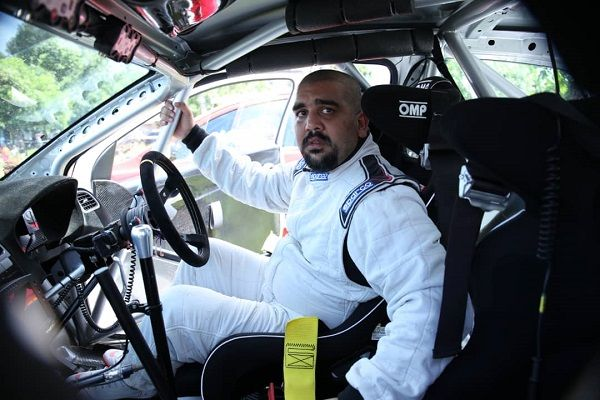 image-of-rajiv-rupareli-in-his-car