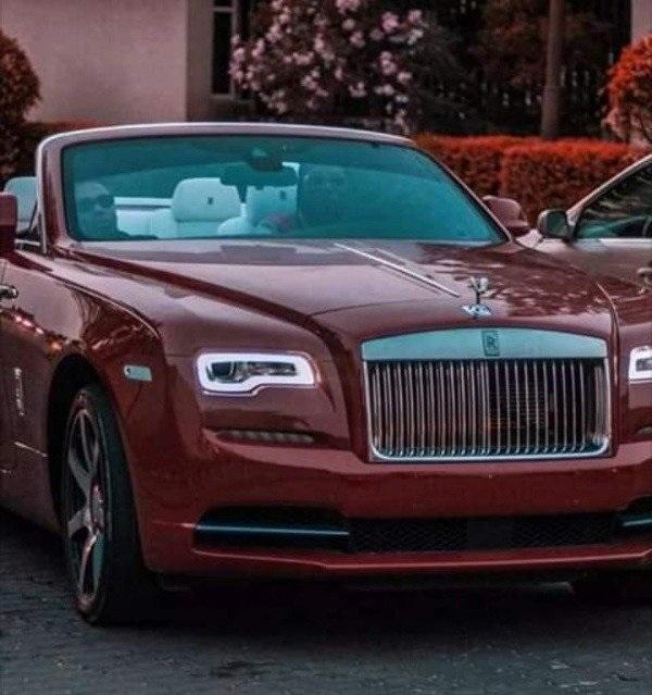 image-of-burna-boy-Rolls-Royce-dawn