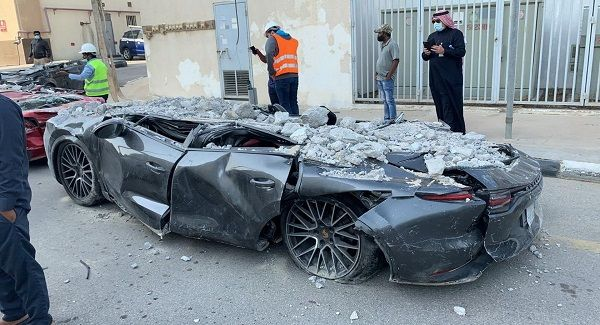 image-of-scores-of-vehicle-totaled-as-parking-tower-collapsed-in-saudi-arabia