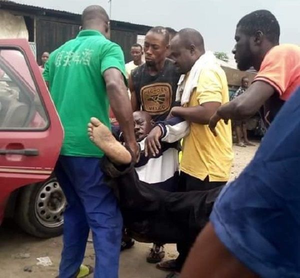 image-of-2-elderly-people-slump-and-die-after-alighting-from-commercial-vehicle-in-rivers
