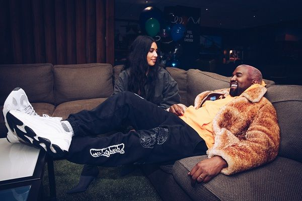 image-of-kanye-west-gifts-kim-kardashian-five-2021-maybachs
