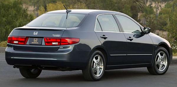 2005-honda-hybrid-rear