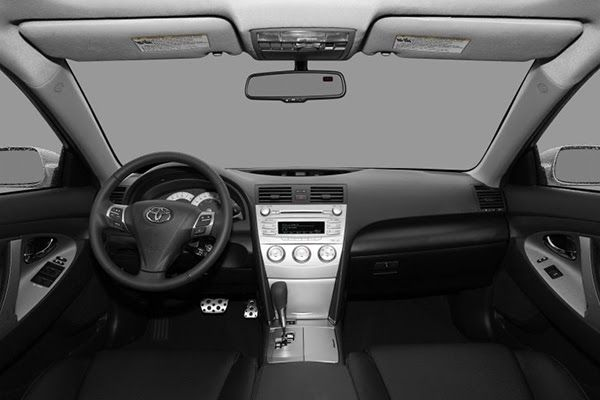 cabin-of-toyota-camry-2011