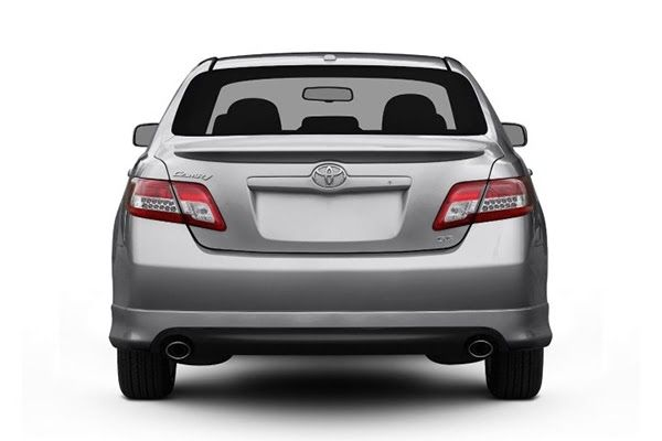 back-end-of-toyota-camry-2011