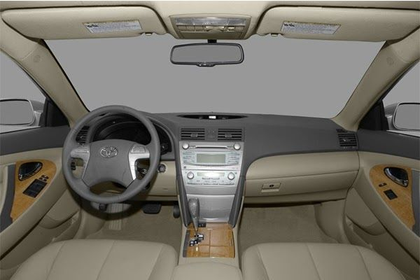 cabin-of-the-Toyota-Camry-2009