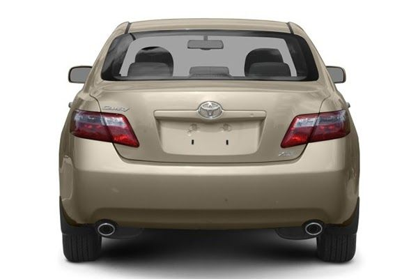 rear-end-of-the-toyota-Camry-2009