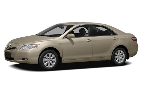 Angular-front-of-the-Toyota-Camry-2009