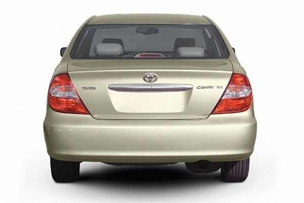 2003-Toyota-Camry-rear-end