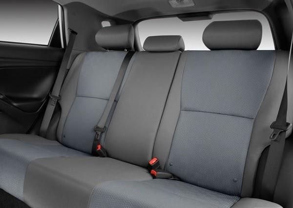 2010-toyota-matrix-rearseat