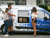 [WOW] Self-driving vans made by Ford Motor company now delivers food to people in Miami