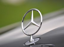 The story behind Mercedes-Benz logo