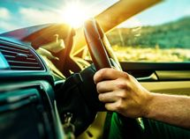 12 must-have tips when driving long distances in scorching hot weather