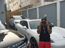 Davido shows off his newly-arrived Bentley Bentayga 2018