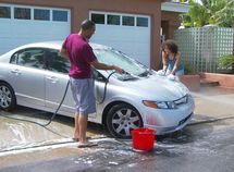 6 common mistakes when washing your car at home