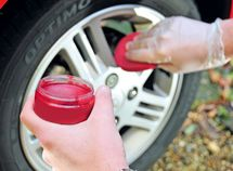How to clean car alloy wheels in 3 steps