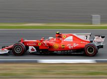 Ferrari loses to Mercedes in Formula One, but will not change front wing design