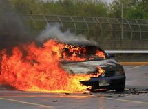 How to keep yourself and others safe from car fire