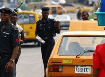 Sensible ways to avoid police delays as a Lagos driver