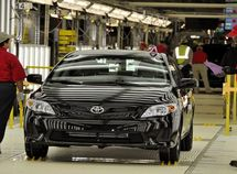 Toyota recalls 82,756 Toyota cars over defective airbags (Corolla 2001-2006 included)