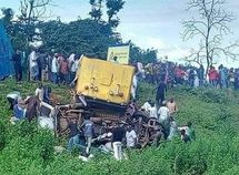Nigerian man loses wife & all 3 children in Benue fatal car crash