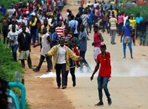 Bad roads: Niger youths stage protest, blocks major highways