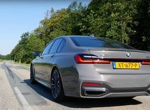 2020 BMW M760LI with V12 engine easily floors the 750i in acceleration