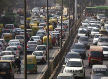 New Delhi bans odd car number plate on Mondays to combat air pollution
